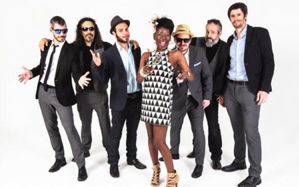 Shirley Davis & The Silverbacks en Segovia