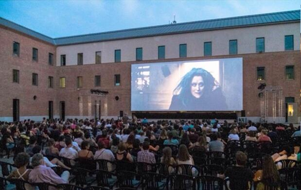 The Urban Beach Cinema Conde Duque