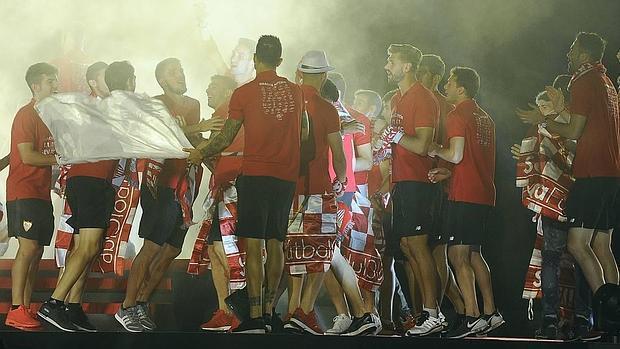 El Ramón Sánchez-Pizjuán, broche de oro a la celebración sevillista