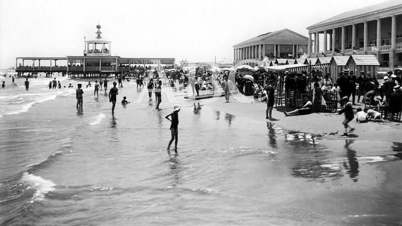 Valencia, 1920 (CA.) Aspecto de la playa de Las Arenas
