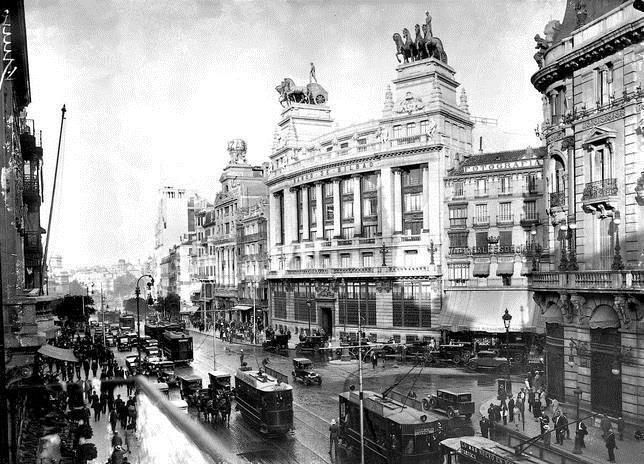 Mitolog�a en el cielo de Madrid