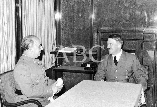 Franco y Hitler se entrevistan en Hendaya