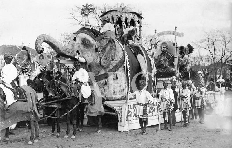 Madrid. 02/02/1913. Concurso carnavalesco de carrozas. «La boda de rajah», artística carroza del Círculo de Bellas Artes, que llamó grandemente la atención y que obtuvo el único premio concedido por el jurado