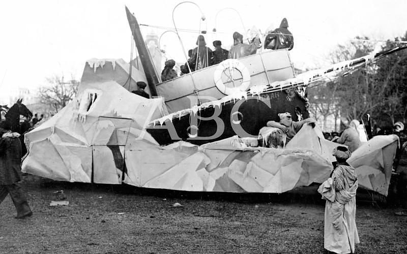 Madrid. 26/02/1911. Concurso carnavalesco de carrozas. «La polar», coche del Sr. Prast, que obtuvo el premio de 1000 pesetas (segundo de su categoría)