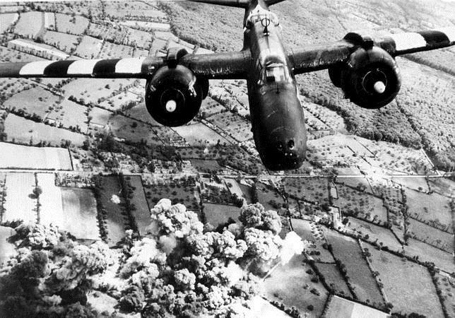 Cherburgo. 1939-1945. Bombardeo de la línea de abastecimiento alemana.