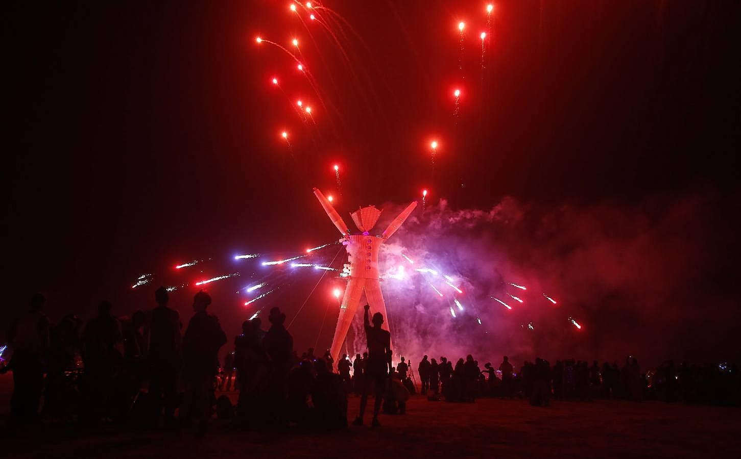 «Burning Man», el festival hippie que reúne cada vez a más multimillonarios en el desierto de Nevada