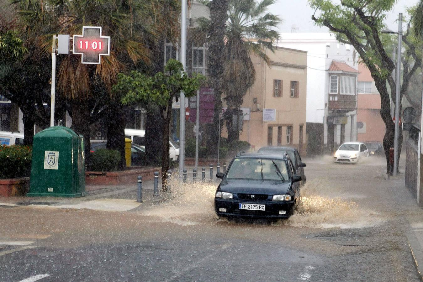 Las fuertes lluvias inundan Tenerife