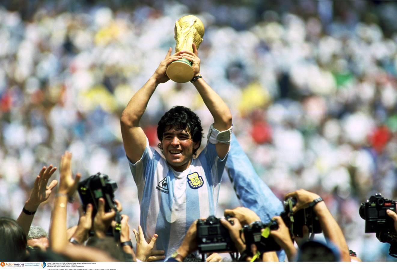 El imparable declive de Maradona