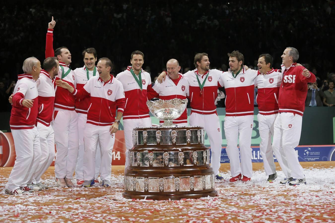El equipo suizo celebra su primera Copa Davis