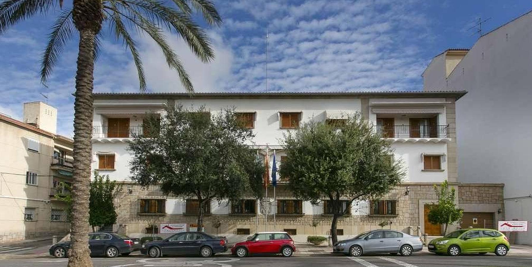 Así es el 'palacio presidencial' que quiere vender Monago