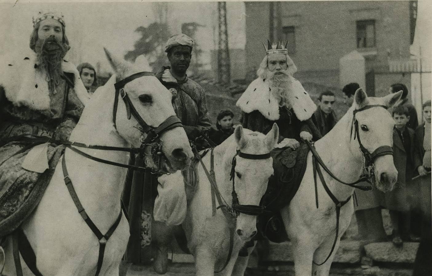 Los Reyes Magos, en camello, en grúa y hasta en vespa