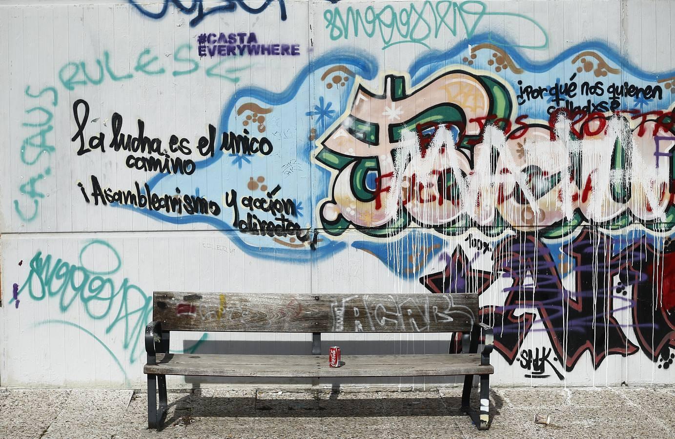 Las mil y una pintadas de la Facultad de Políticas de la Universidad Complutense