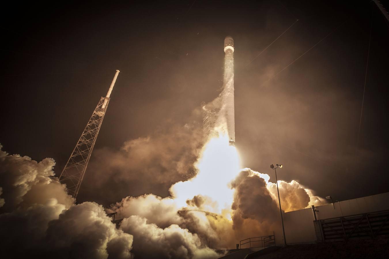 Galería: SpaceX publica un centenar de impresionantes imágenes de los logros de la carrera espacial privada