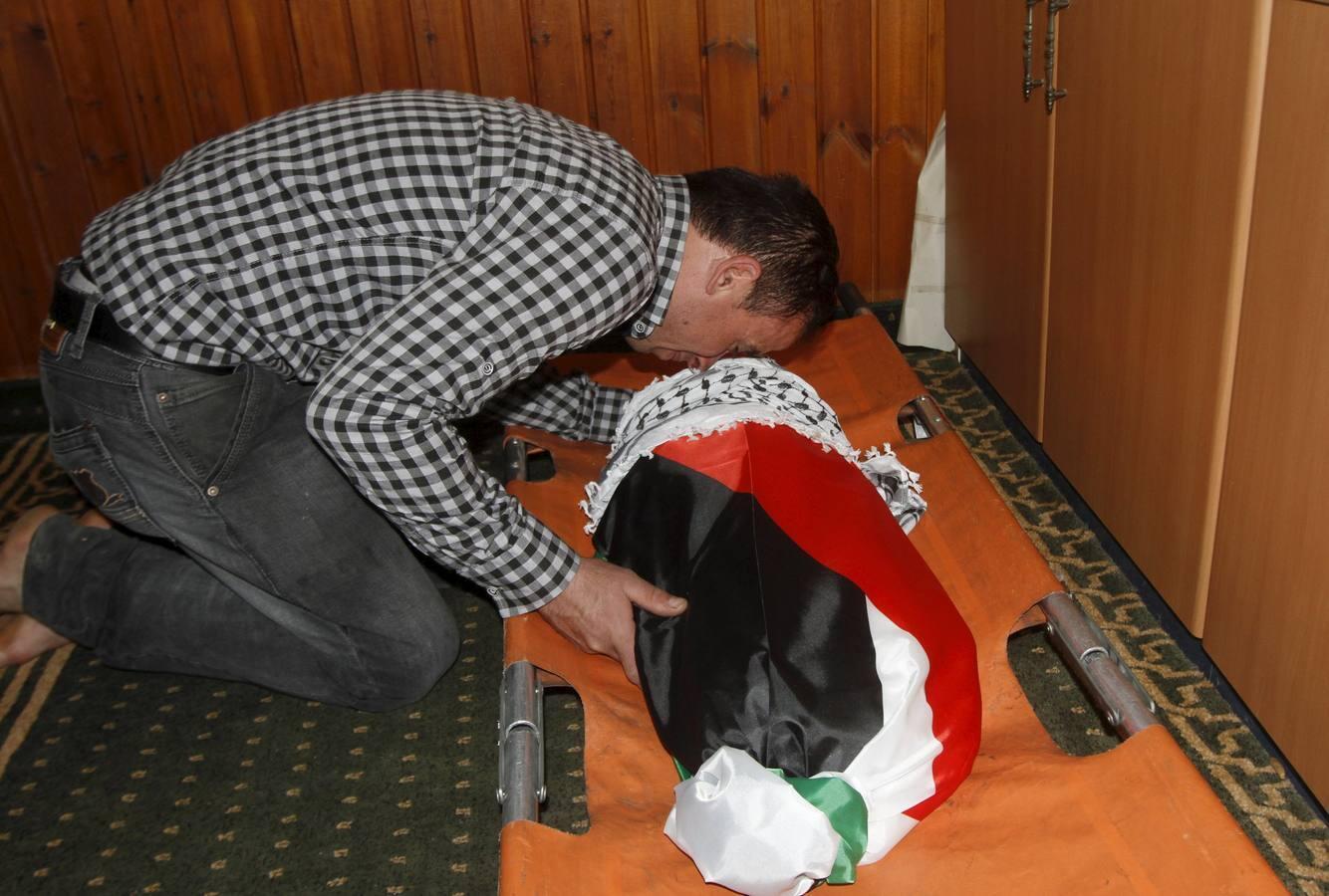 Las imágenes del funeral del bebé palestino asesinado durante la madrugada de este viernes