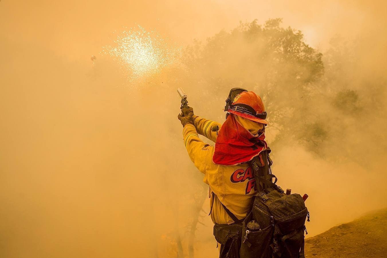 En imágenes: Los incendios que han dejado un muerto en el estado de California