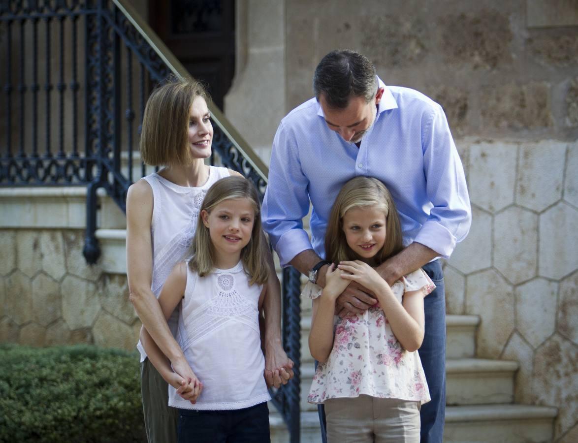 La Familia Real vuelve a posar en el Palacio de Marivent
