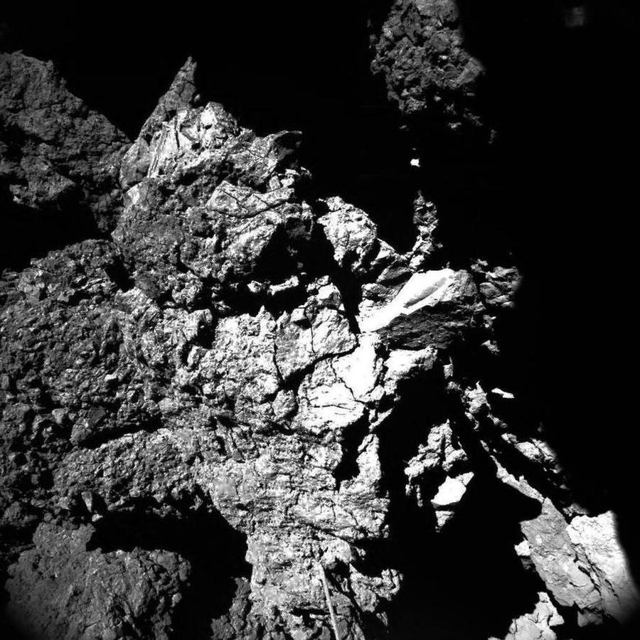 Philae retrata como nunca la superficie del cometa 67P