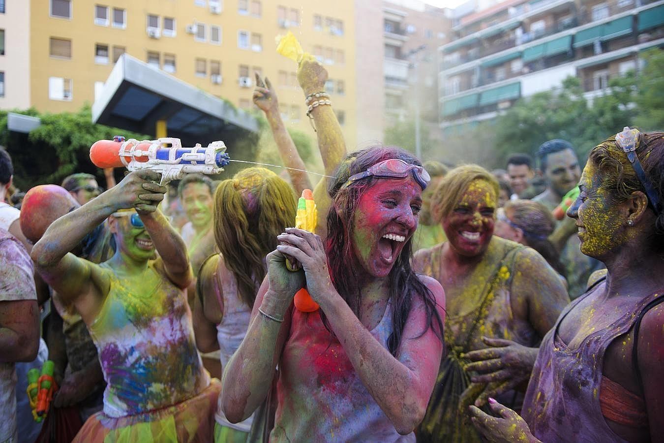 Lavapiés se tiñe de colores a ritmo de Bollywood