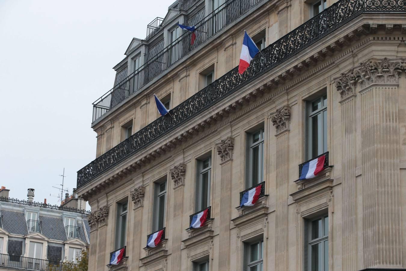 El homenaje a las víctimas de los ataques de París, en imágenes