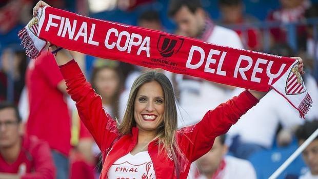 En imágenes: la afición se vuelca con sus equipos en la final de la Copa del Rey