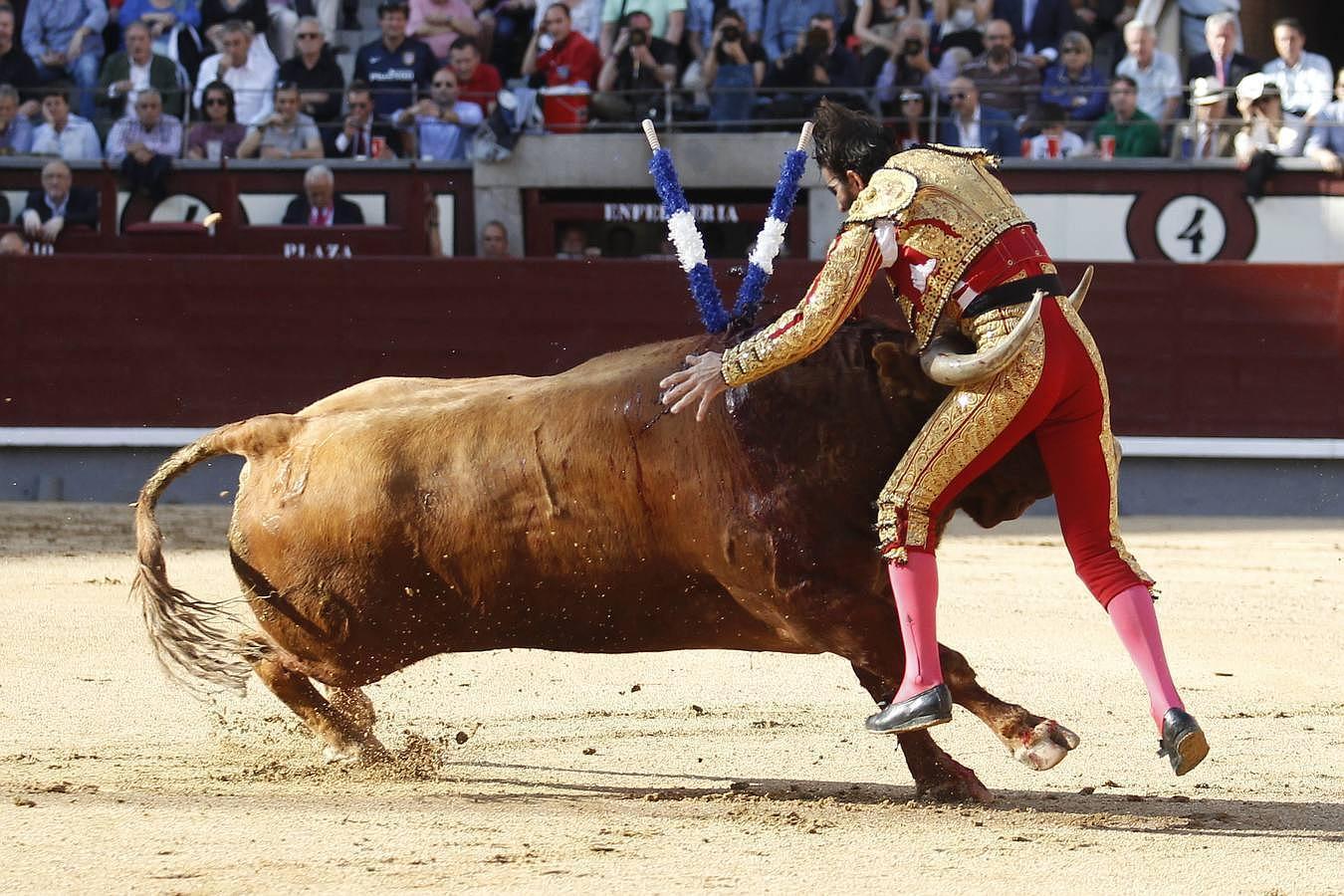 Secuencia de la espeluznante voltereta de Padilla en Las Ventas