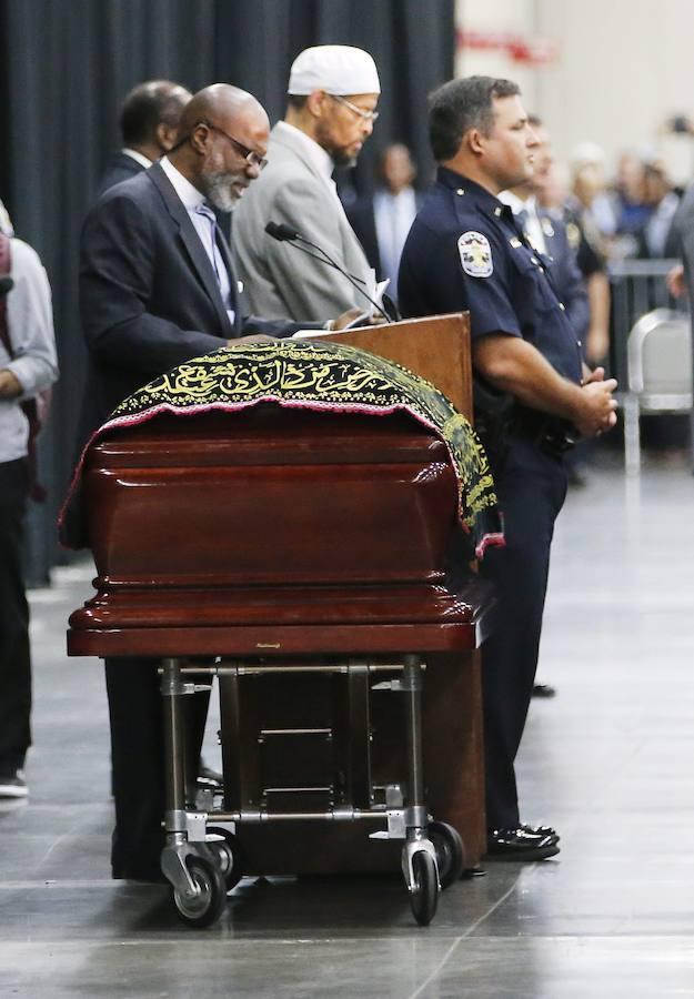 El funeral musulmán de Mohamed Alí, en imágenes