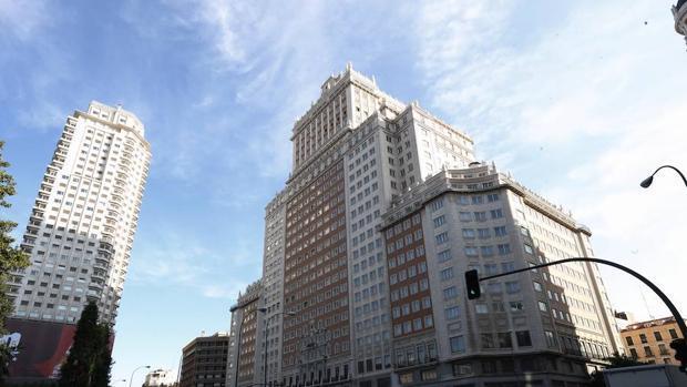El estado del Edificio España, en imágenes