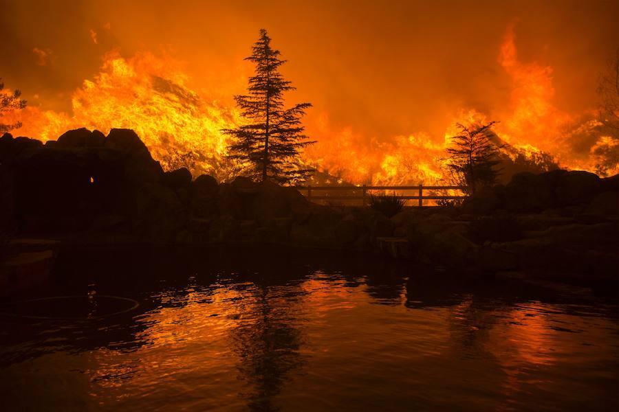 «Sand Fire», el incendio que afecta a 8.000 hectáreas en California