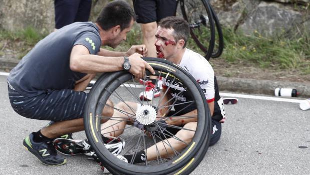 Las imágenes de la caída masiva en la Vuelta a España
