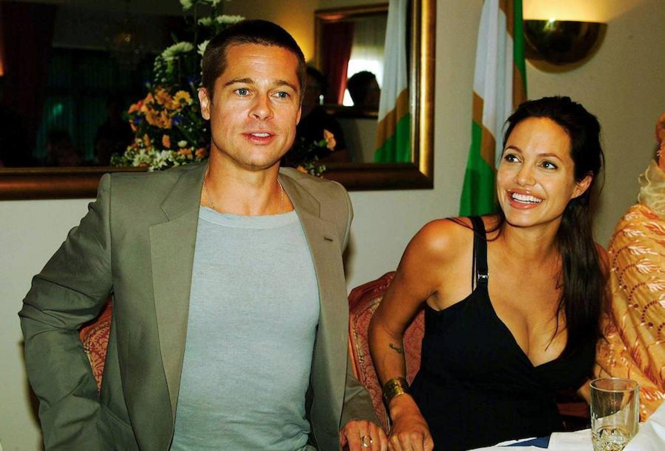 En el 2005, una serie de fotos confirmaban el nuevo romance hollywoodense: Brad Pitt y Angelina Jolie