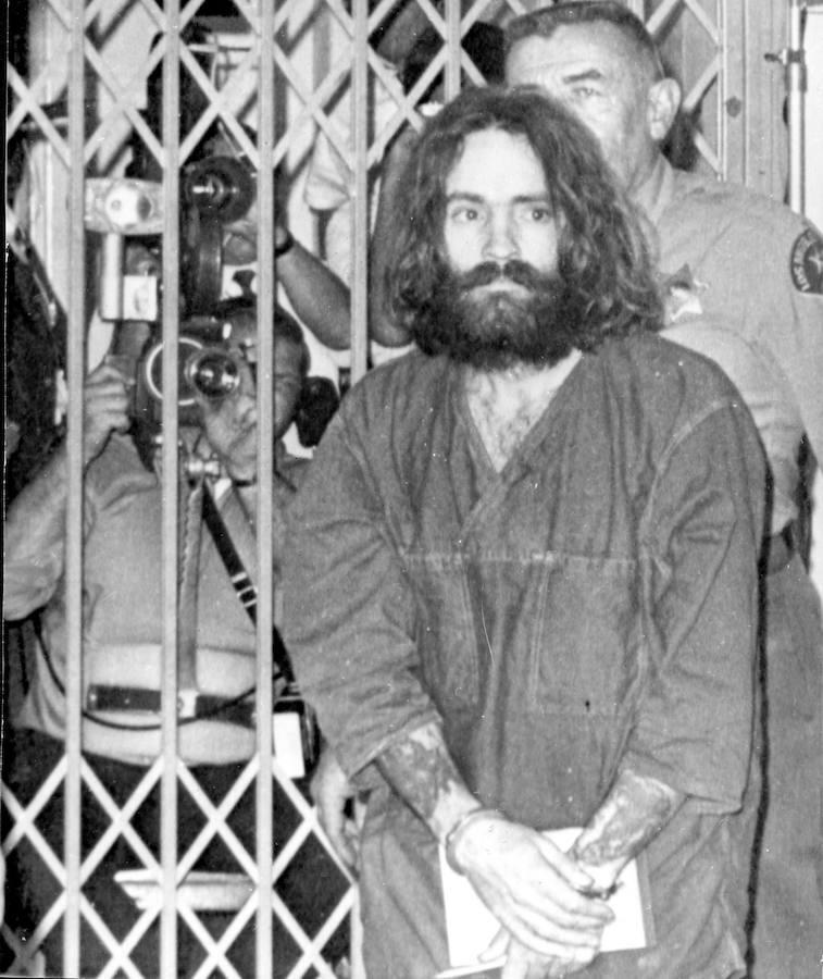 Charles Manson fue condenado a cadena perpetua por ser el «autor intelectual» de siete asesinatos