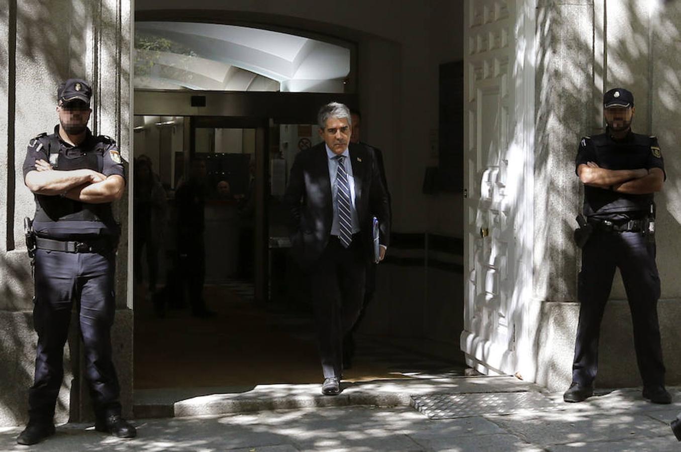 Francesc Homs, a su salida de la sede del Tribunal Supremo donde ha negado al juez del Tribunal Supremo, Andrés Palomo, haber desobedecido al Tribunal Constitucional