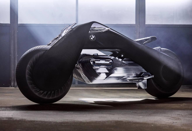 La BMW Motorrad VISION NEXT 100 personifica la idea de cómo deberían ser las motocicletas en un mundo interconectado