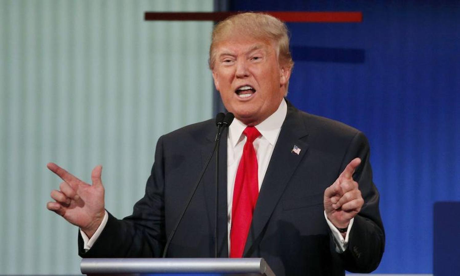 Donald Trump contesta una pregunta en el primer debate oficial entre candidatos republicanos. Era agosto de 2015, en Cleveland