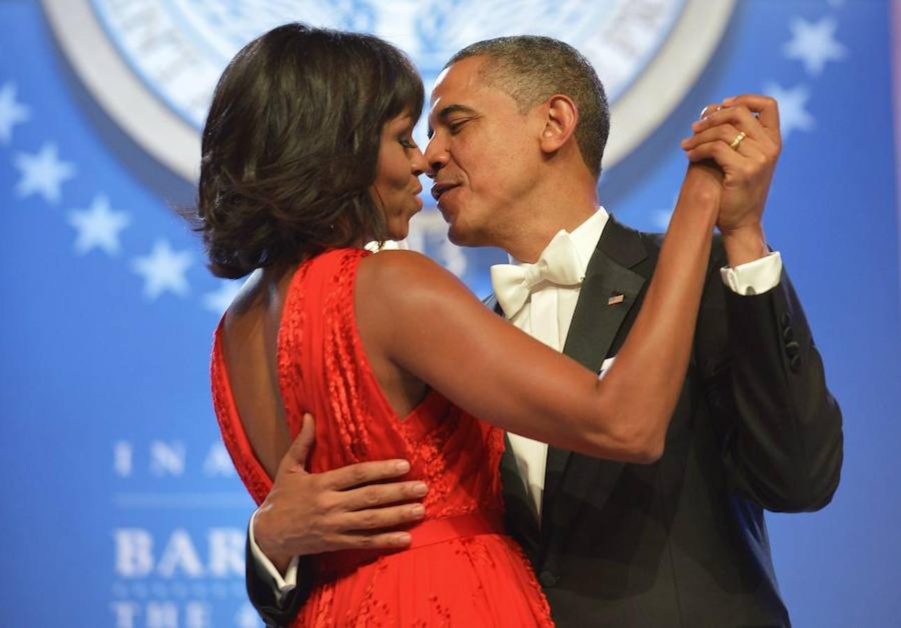 La pareja fue conocida por primera vez cuando comenzó la campaña electoral en 2007, pero la historia de los Obama comenzó casi dos décadas antes