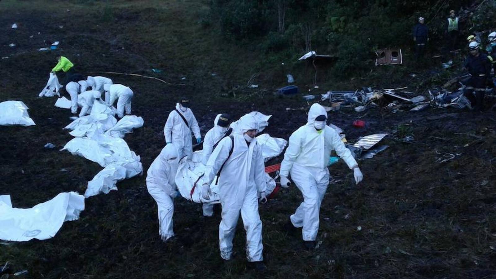 «Seguimos trabajando arduamente en el lugar del siniestro», se informa en la cuenta oficial de Twitter del Departamento de Policía Antioquia, junto a esta imagen