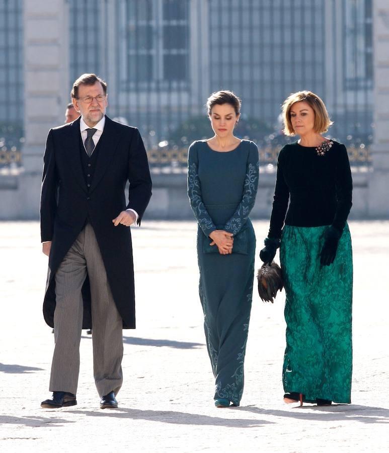 Doña Leizia ha optado por repetir un vestido de color verde, que ya había lucido en esta misma ceremonia en ocasiones anteriores.