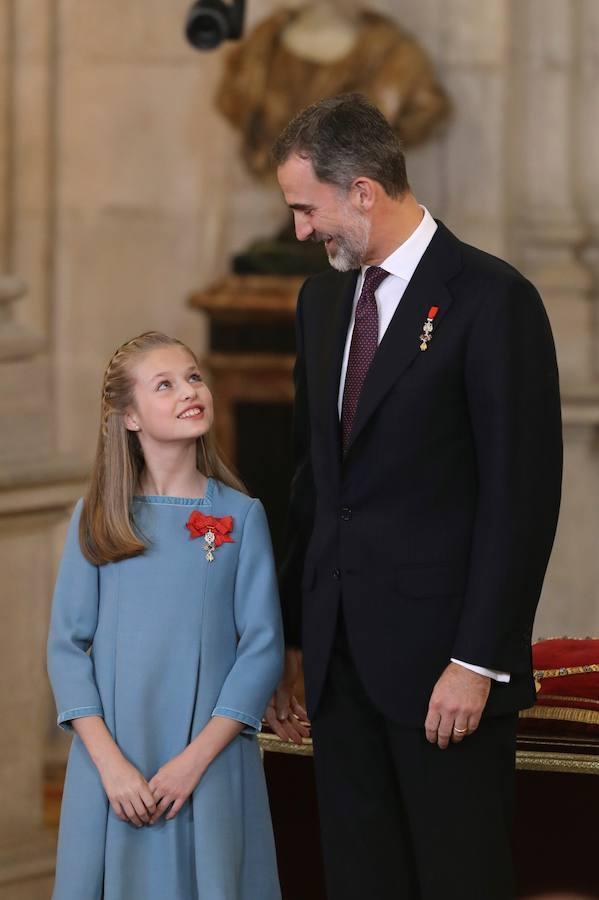 El Rey impone a la Princesa el Toisón de Oro que perteneció a Don Juan