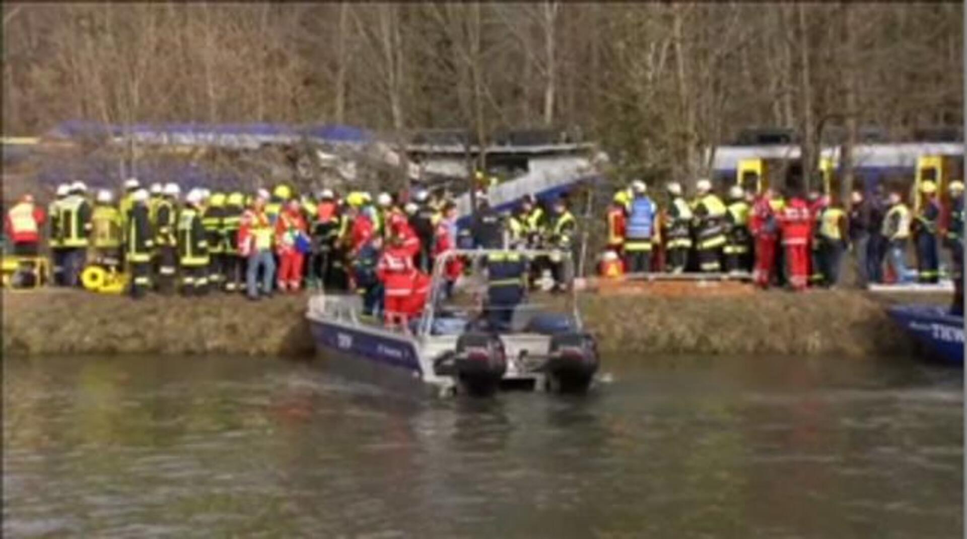Un choque frontal de trenes en Alemania causa víctimas mortales