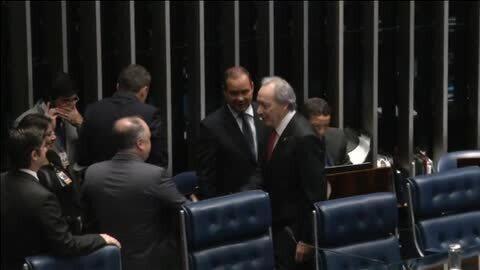 Rousseff se enfrenta a la decisión del Senado