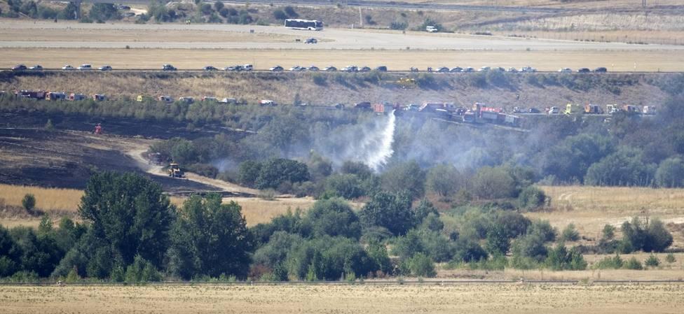 Una imagen del humo del avión tras el accidente