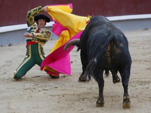 26/05/2010.- El diestro Juan José Padilla durante la faena a su segundo astado