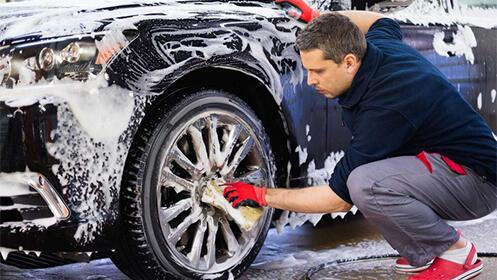 Limpieza interior y exterior de tu vehículo