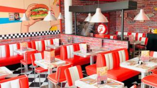 Menú de hamburguesa para dos en Charlie Burger