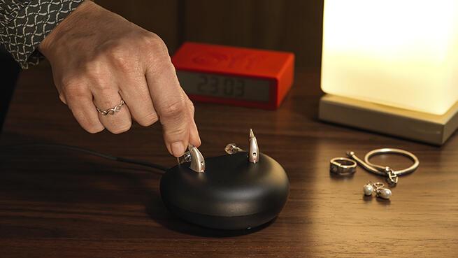 Audífono Recargable Última Generación con Bluetooth