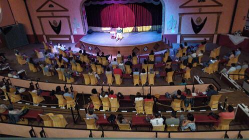 Yupita, teatro familiar En Busca de un sueño